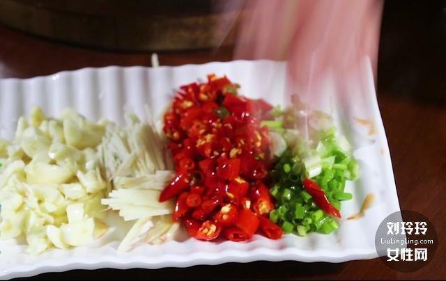 家常香辣鱼的做法 整条香辣鱼的做法4