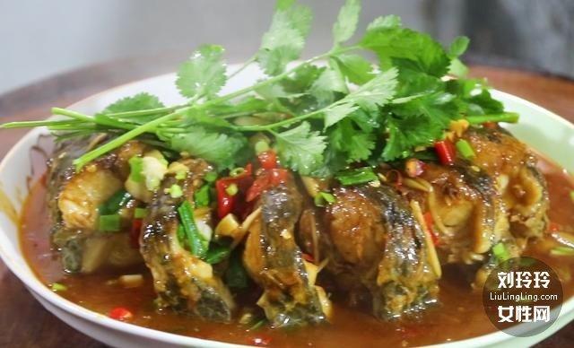 家常香辣鱼的做法 整条香辣鱼的做法13