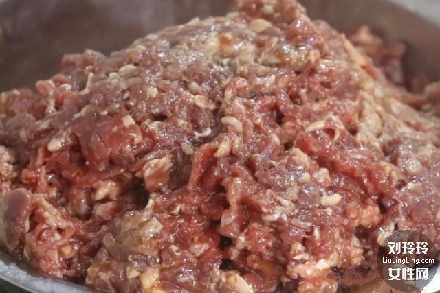 肠粉的做法 家庭肠粉最简单的做法3