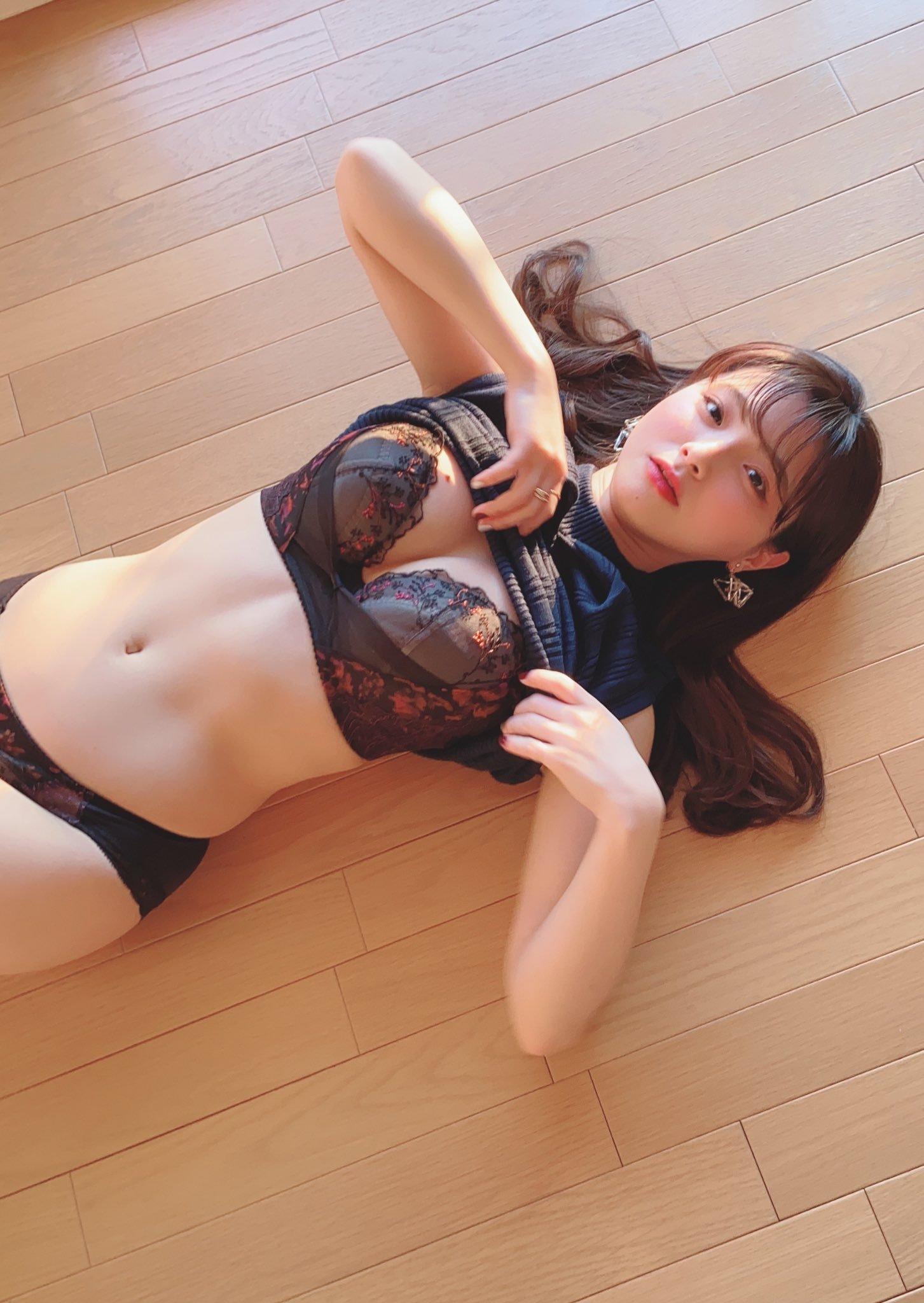 青山光欧派修女内衣 片冈沙耶开胸毛衣甜又美