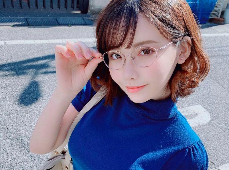 深田咏美老师我要上课 桃乃木香奈内衣秀 大姐姐套图