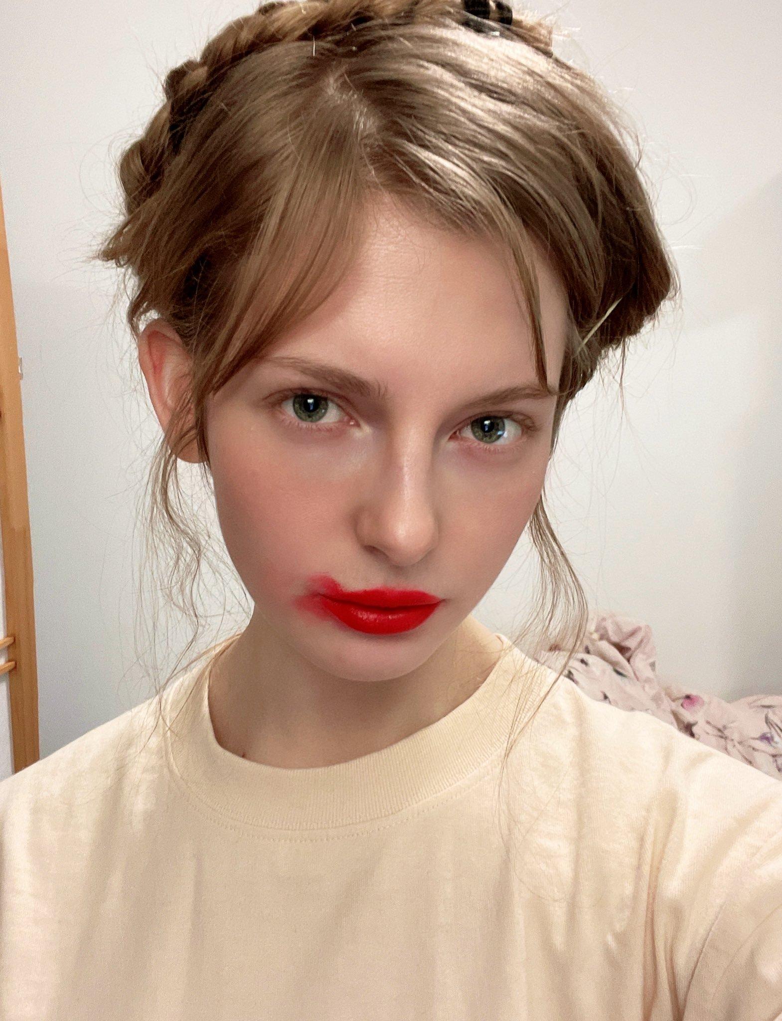 荷兰金发妹 日本发写真-Ella Freya在Youtube上走红的妹子-第14张图片-深海领域