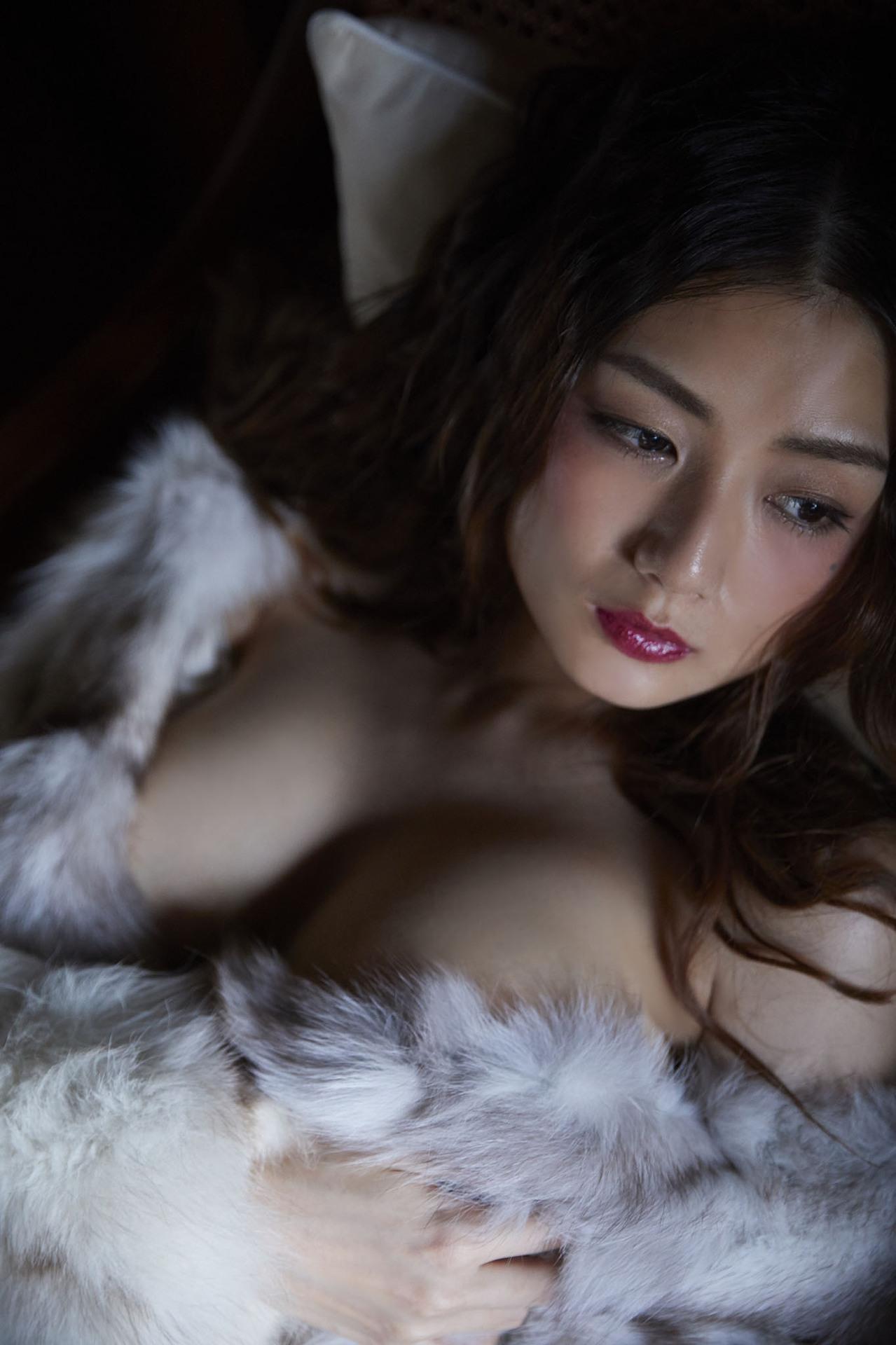 片山萌美 Poker Face 00031