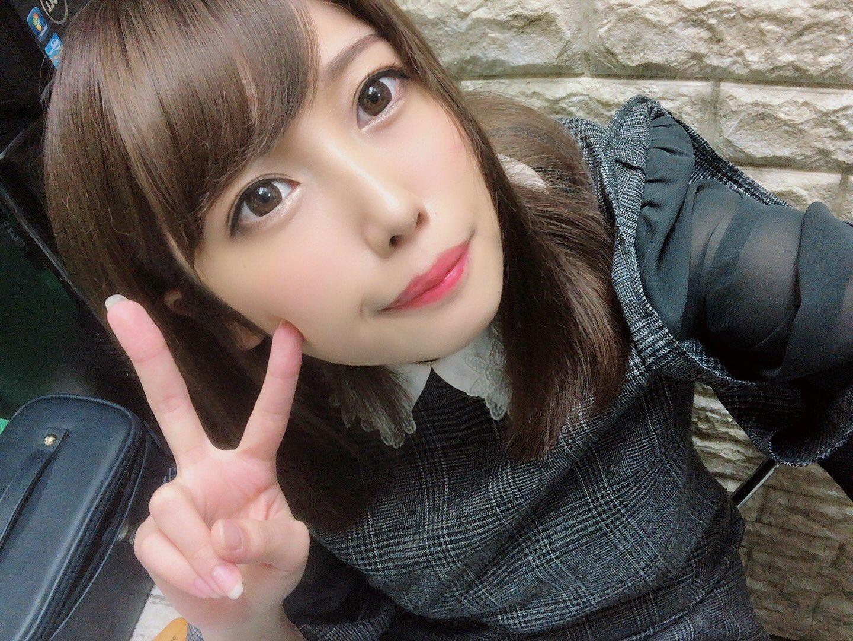 Sakura_KRSM 1188454213593923585_p0