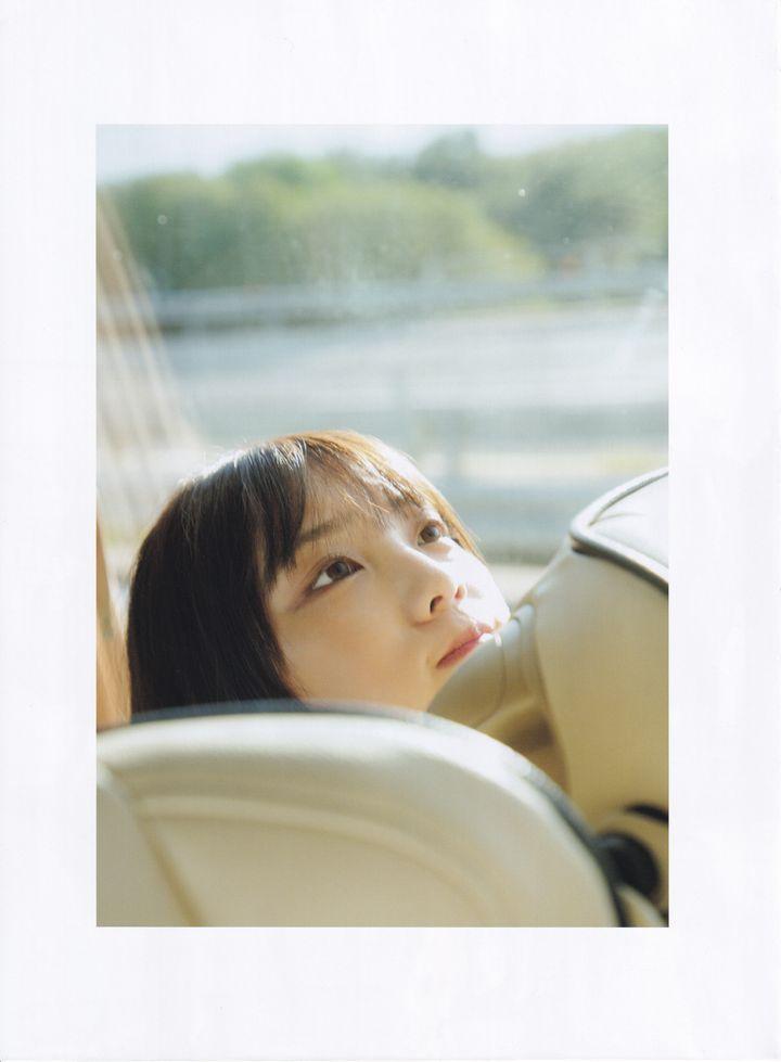 与田祐希 無口な時間 写真集003