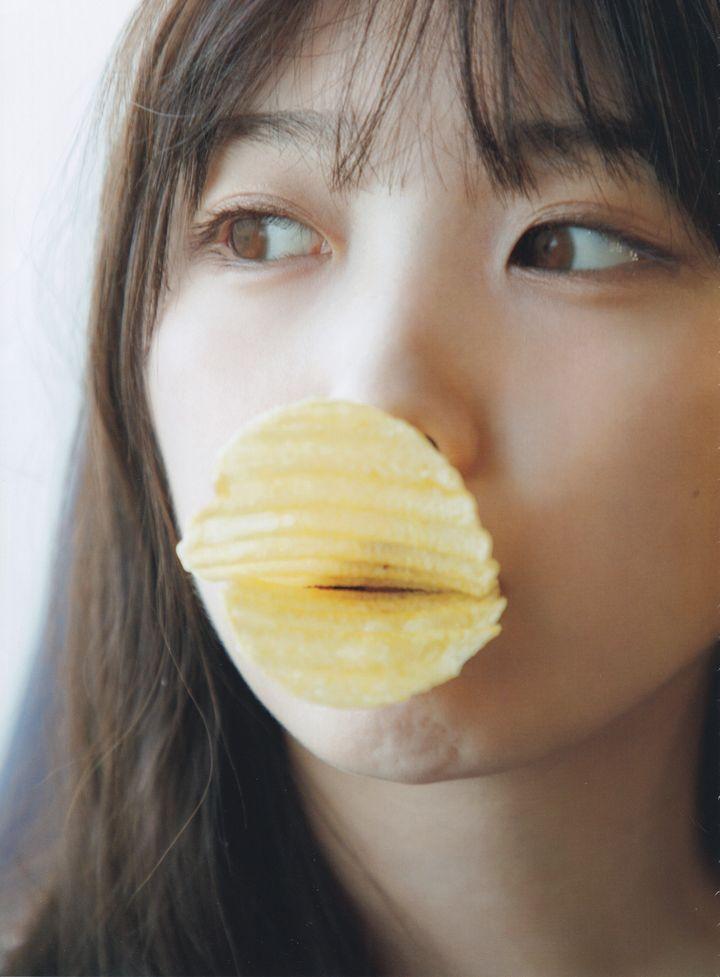 与田祐希 無口な時間 写真集006