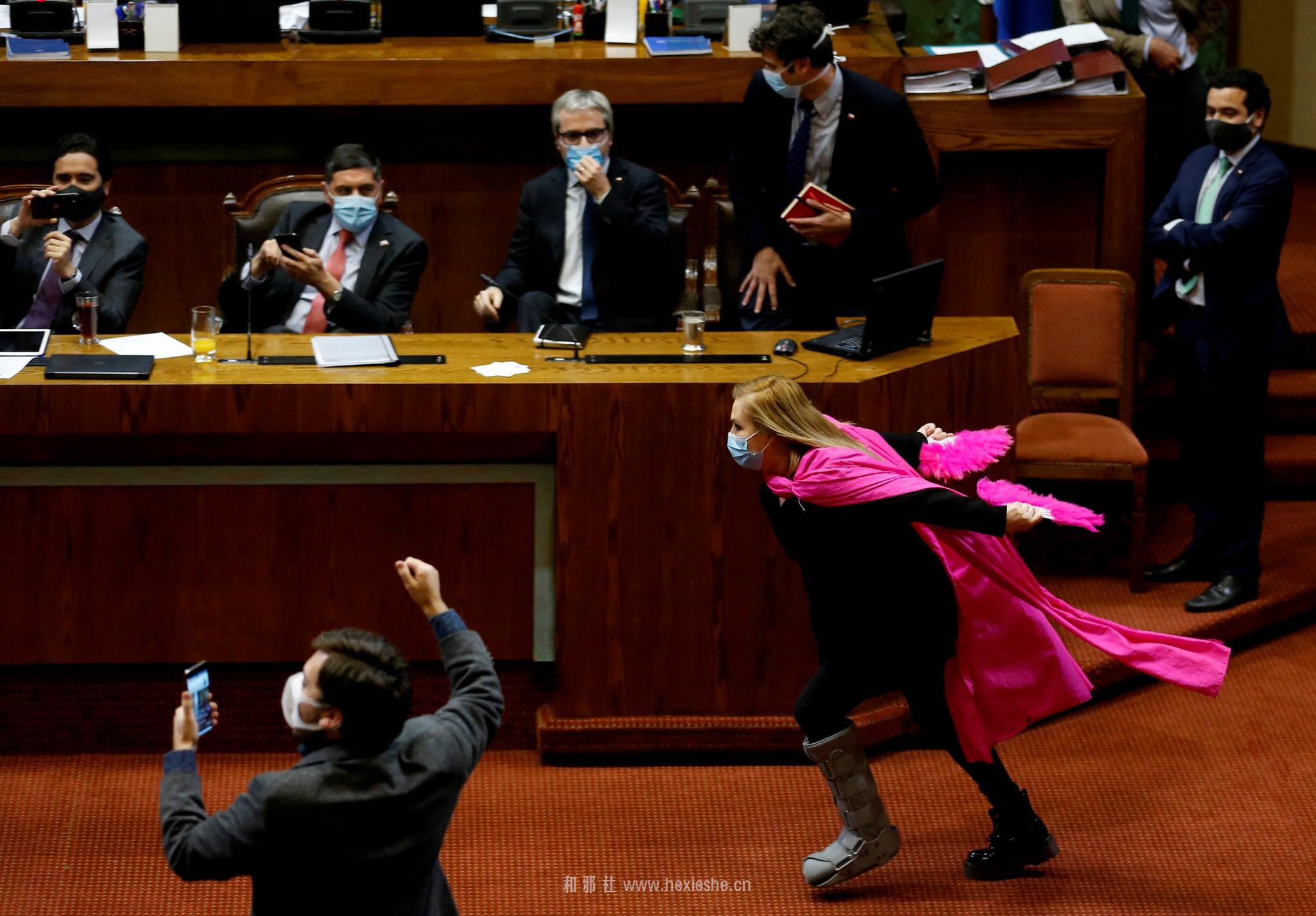 火影跑 智利女议员