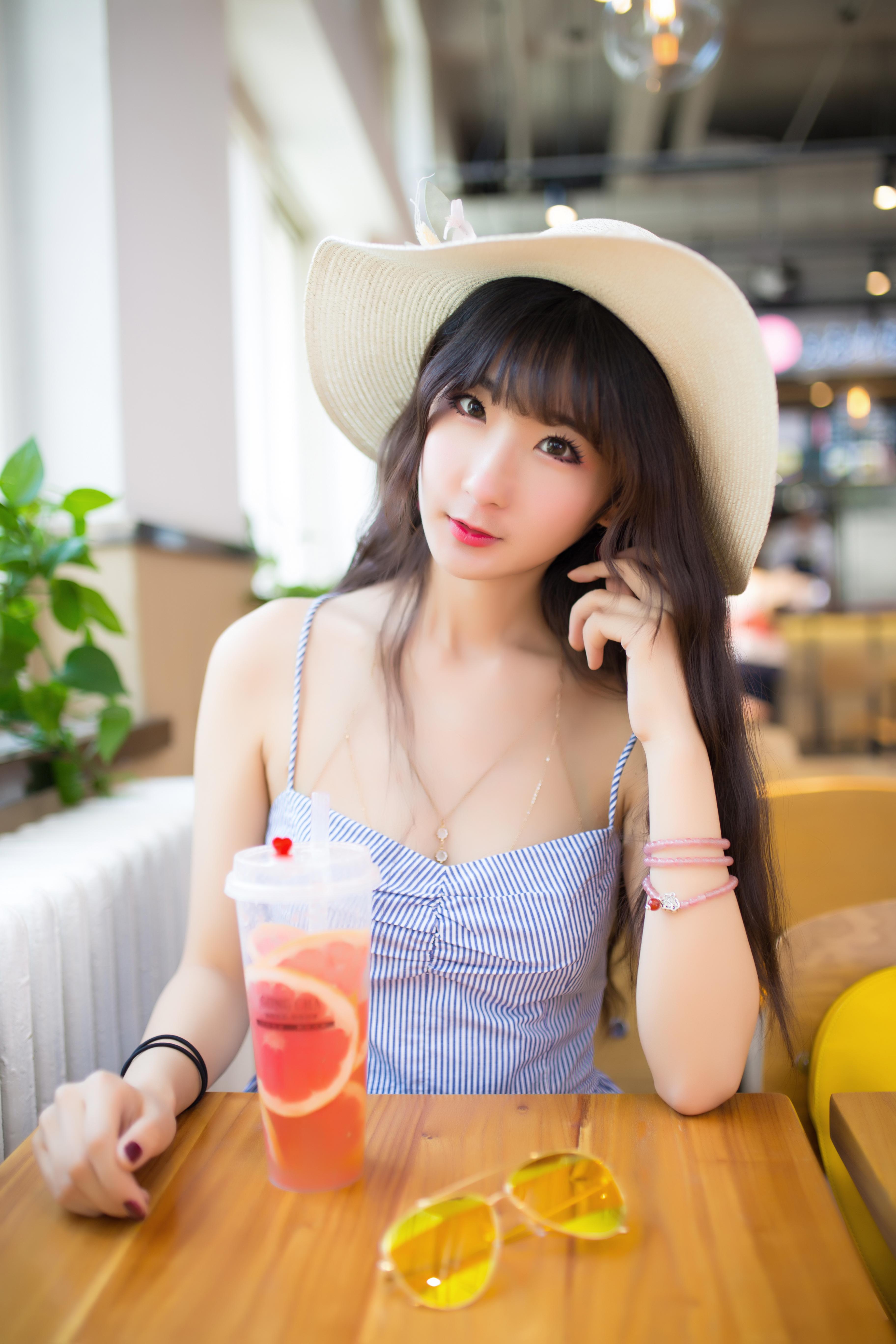 吊带裙小姐姐【40p】 少女映画