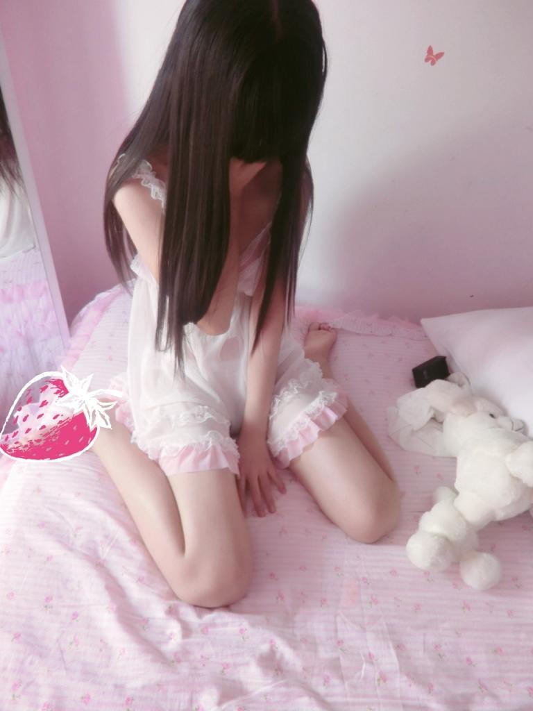 萝莉自拍【178p】 少女映画