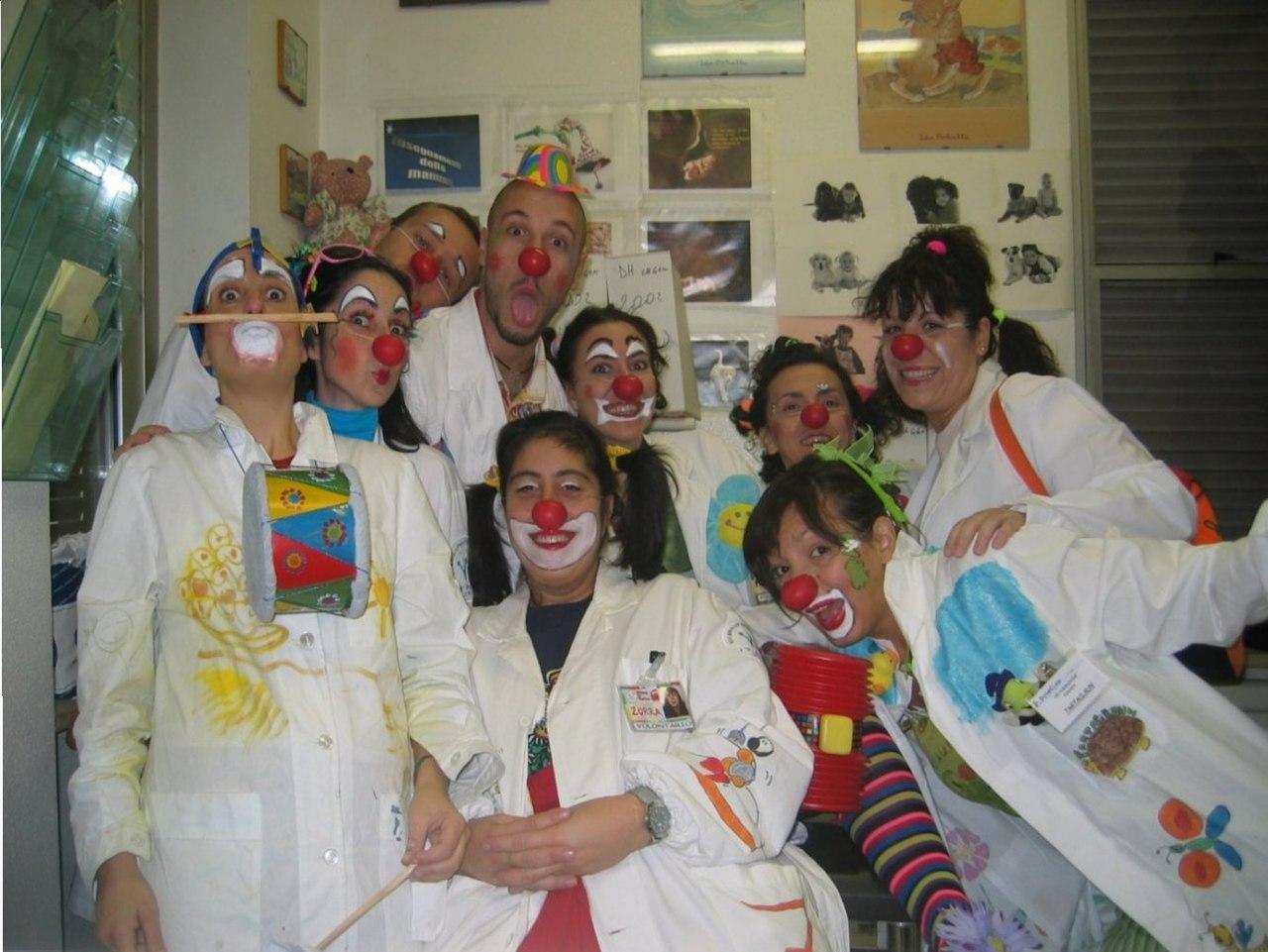 轻小说《我是小丑有什么问题》探究小丑医生对于病人强大的治愈能力 (3)