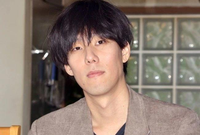强力抨击日本抗疫不力的野田洋次郎洋次郎反手就是一个聚众狂欢生日派对 (7)