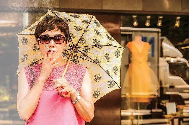 日本国宝级艺人大竹忍传奇一身不仅体现遵从内心去生活的决心还可窥见女性身上的韧劲 (13)