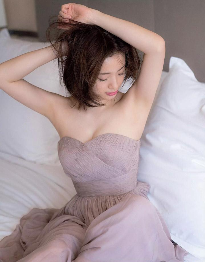 上户彩为《半泽直树2》事隔多年再战写真灿烂笑容完美身段依然 (5)