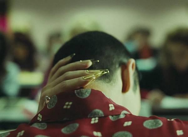 电影《双面劳伦斯》为了爱你能牺牲什么 (3)