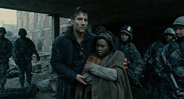 电影《人类之子》即便是全世界陷入极度的恐慌中也要保持希望 (4)