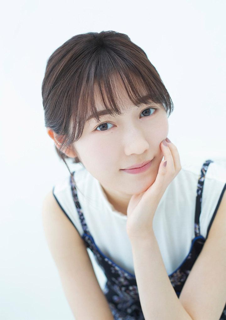 正统派偶像渡边麻友为音乐剧公演而拍摄写真作品大力宣传拉升人气 (11)
