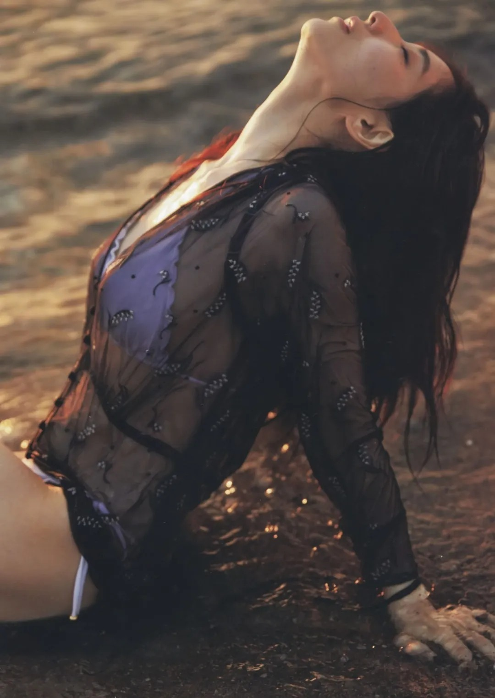 """从""""女性公敌""""华丽转身成为""""美容教主""""的美女主播田中美奈实写真作品 (41)"""