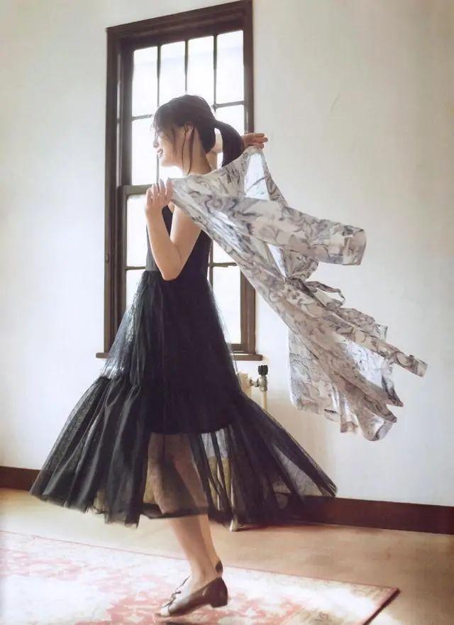 """被号称""""乃木坂第一美颜""""的白石麻衣写真作品 (11)"""