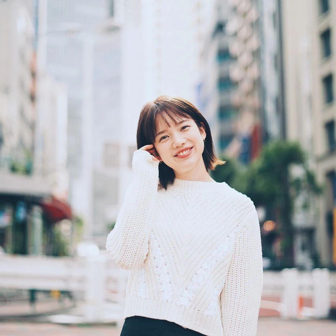 永远一张娃娃脸的棉花糖女孩弘中绫香写真作品 (7)