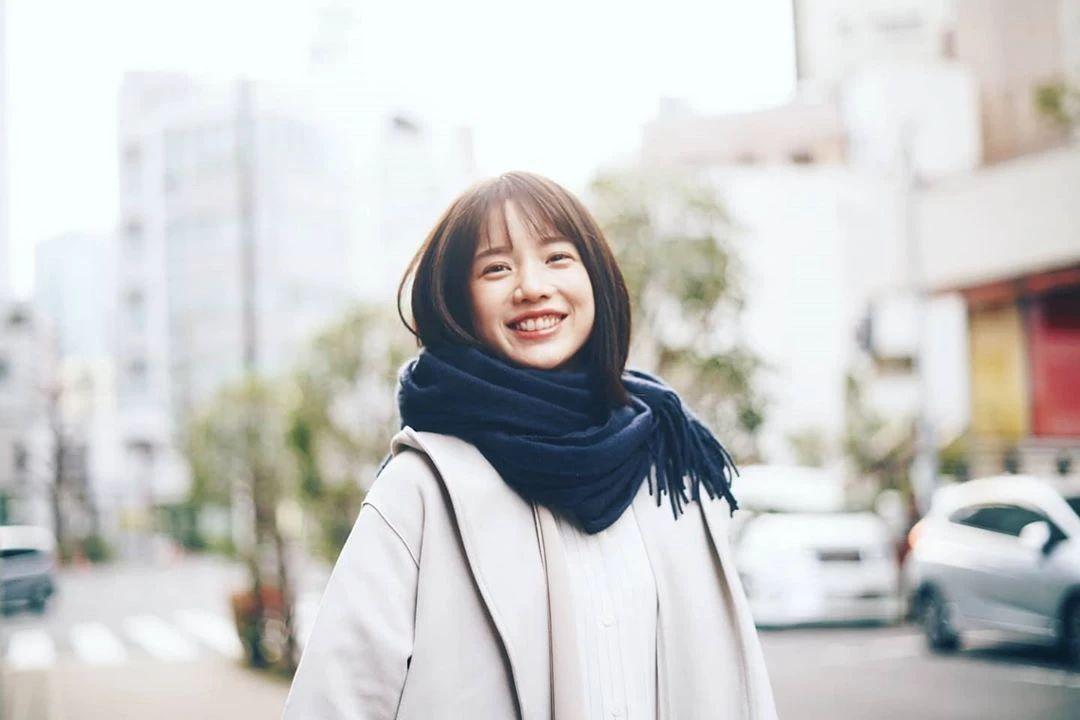 永远一张娃娃脸的棉花糖女孩弘中绫香写真作品 (15)