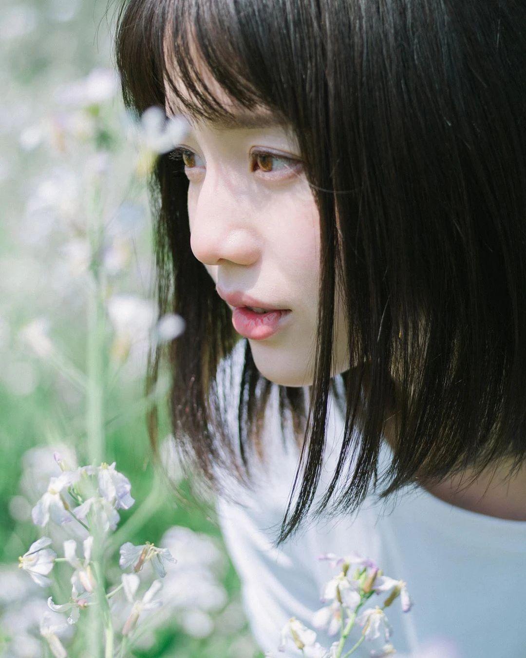 永远一张娃娃脸的棉花糖女孩弘中绫香写真作品 (53)