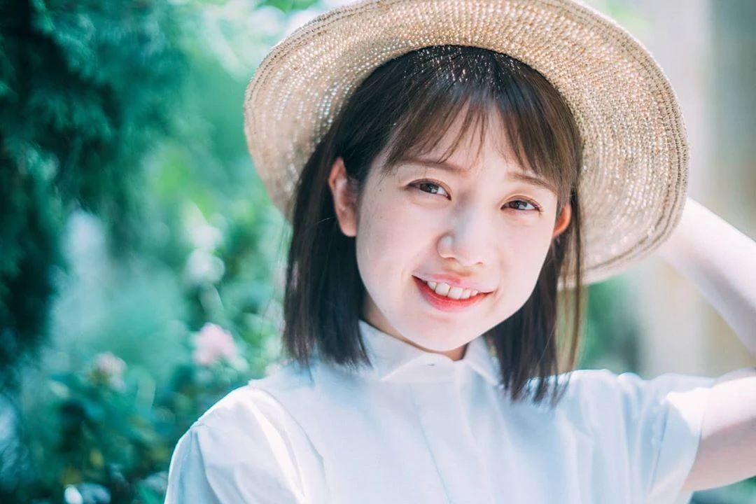 永远一张娃娃脸的棉花糖女孩弘中绫香写真作品 (78)