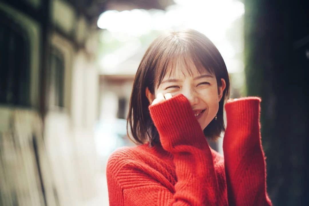 永远一张娃娃脸的棉花糖女孩弘中绫香写真作品 (2)