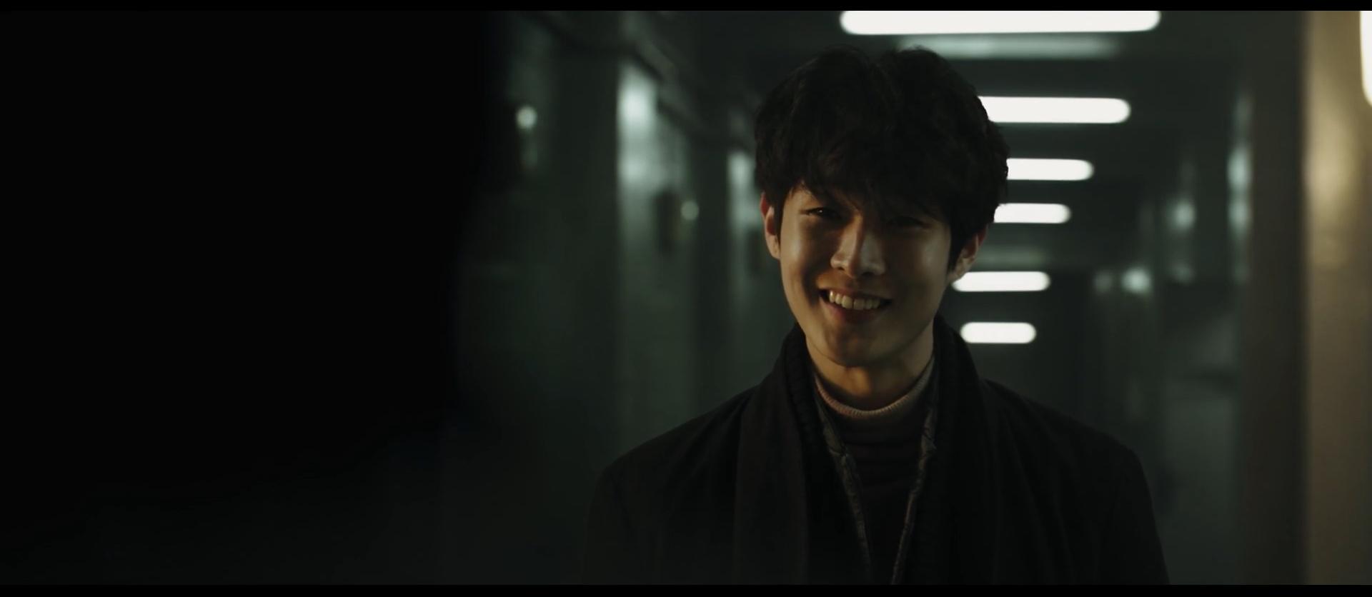 韩国动作悬疑电影《魔女》变异人不断反转剧情就为找自己的生父母 (10)