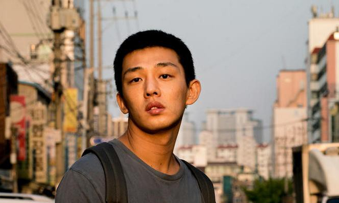 韩国悬疑电影《燃烧》穷人就如同落入井中的人一样仰望天空又无法逃脱 (3)
