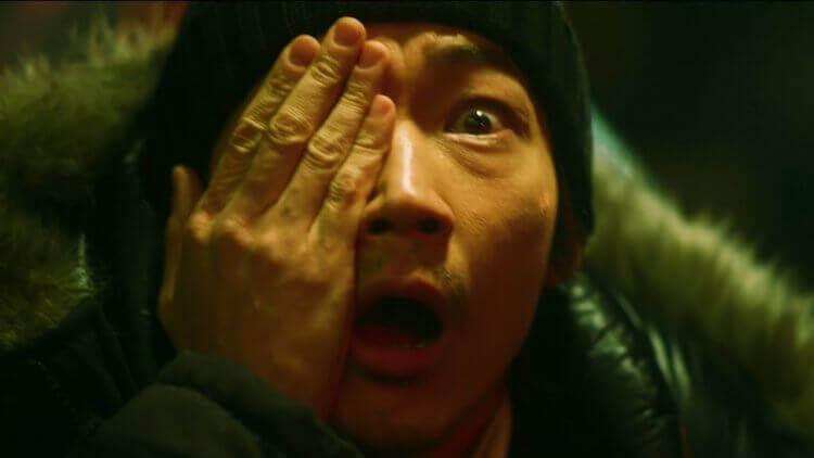 日本惊悚电影《变异者》故弄玄虚和令人接受不了的价值观 (5)