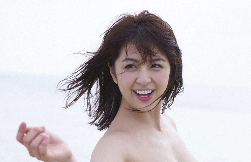 又欲又纯的封面女王柳百合菜写真作品 (22)