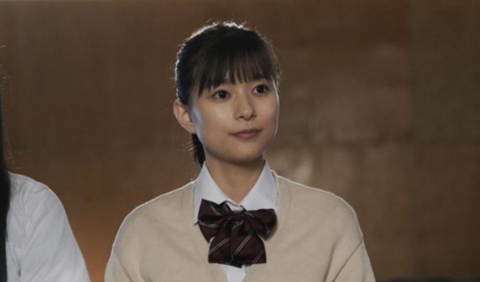 不是很能凸显个性的昭和颜的实力派美女芳根京子 (7)