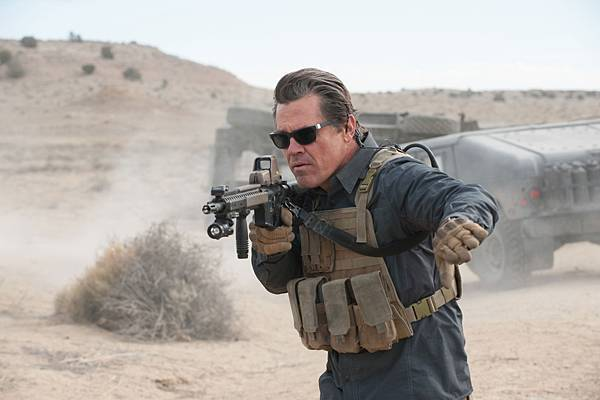 电影《怒火边界》十分善于营造紧张枪战气氛 (2)