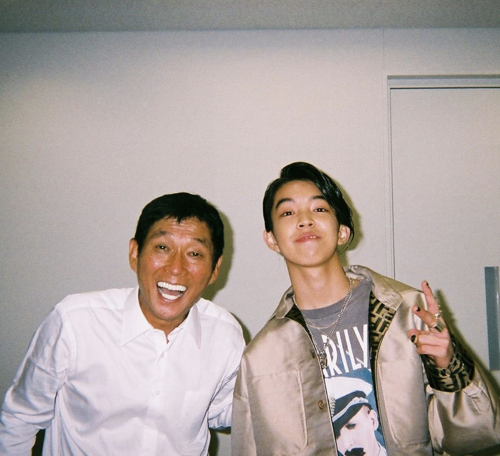 事业经营不错的纱荣子和小自己17岁的疑似男友交往 (3)