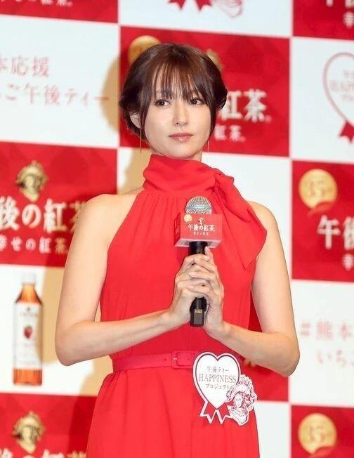 日本艺人深田恭子常年积劳成疾而被迫停止一切工作 (6)