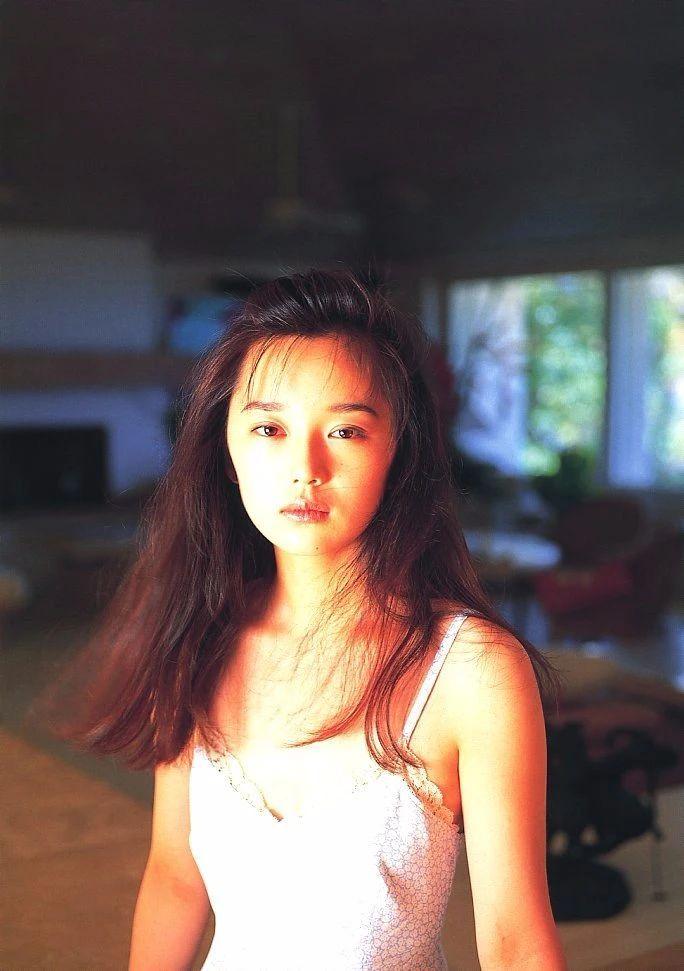 最禁欲魔性之女叶月里绪菜写真作品 (63)
