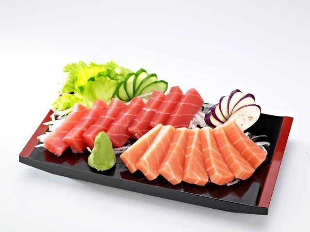 说一说日本料理中那些残忍生猛的吃法 (7)