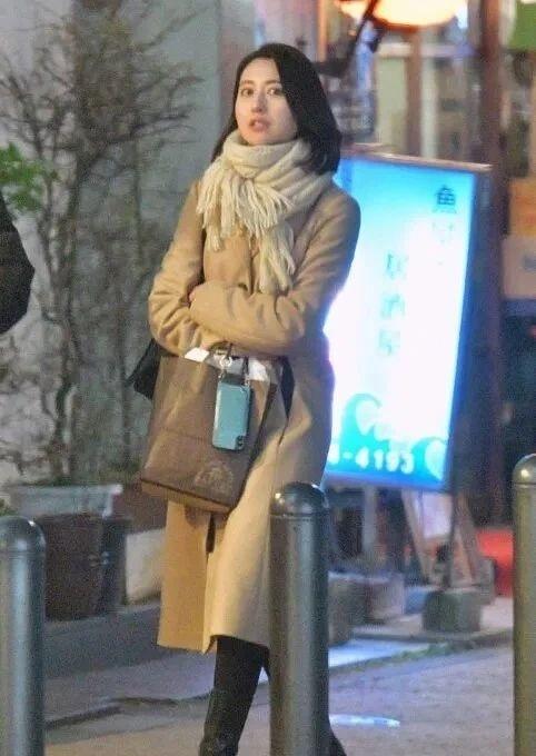 美女主播小川彩佳离婚有望分到10亿日元赔偿金,有没有很意外 (2)