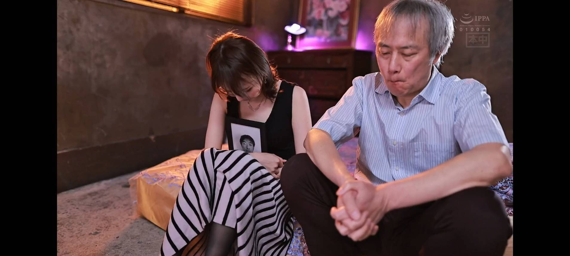 HND-992风格诡异広瀬りおな(广濑里绪菜)表现惊悚 (3)