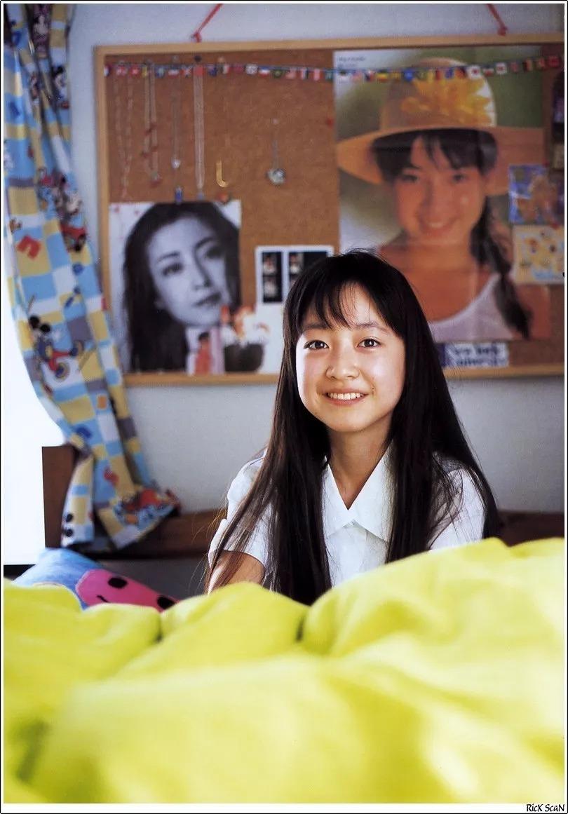 形象纯过蒸馏水的黑川智花《少女觉醒》的写真作品 (124)