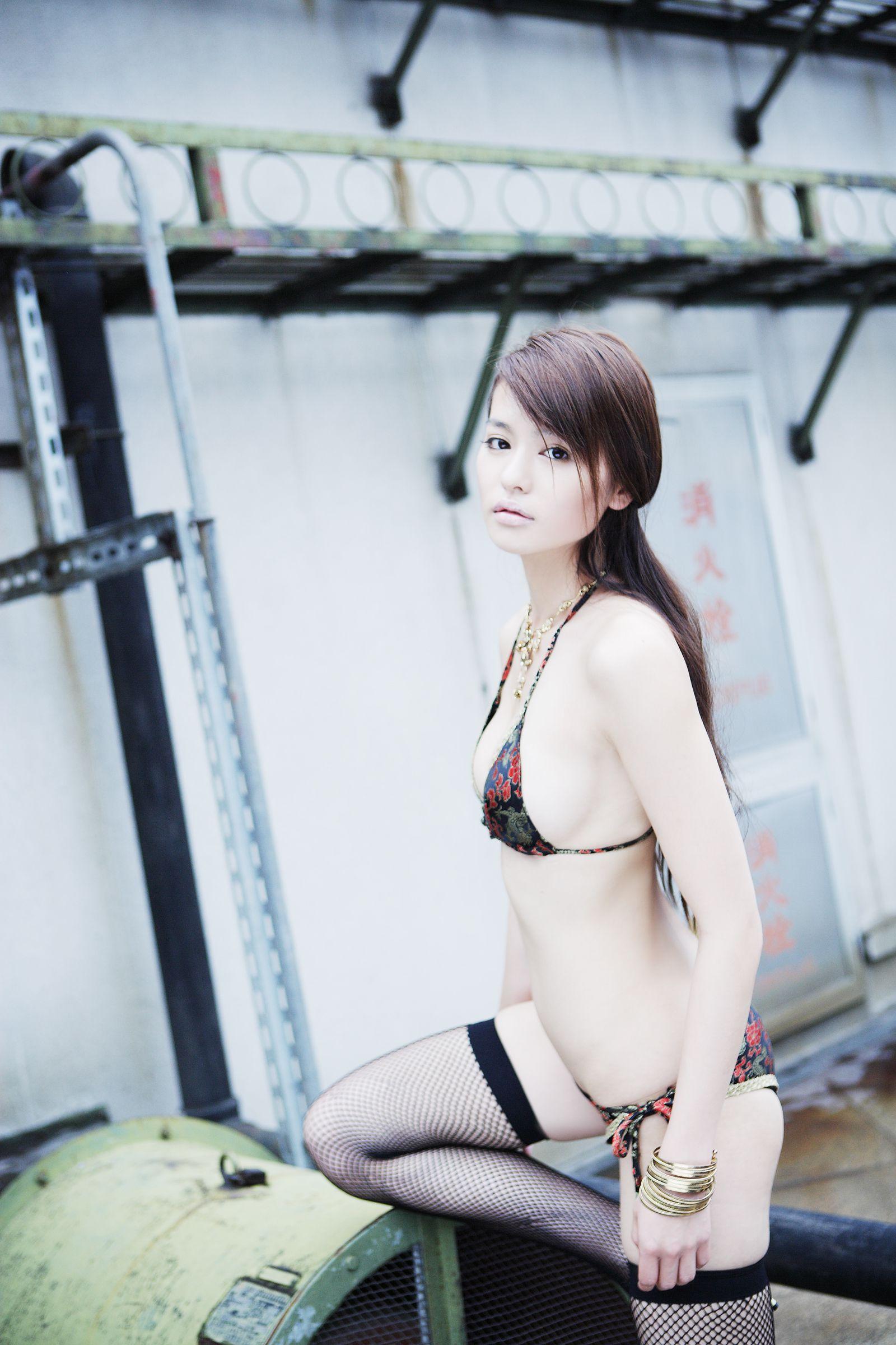 白鸟百合子、しらとり ゆりこ、Yuriko Shiratoni个人资料介绍,及其写真作品欣赏 美女精选 第4张