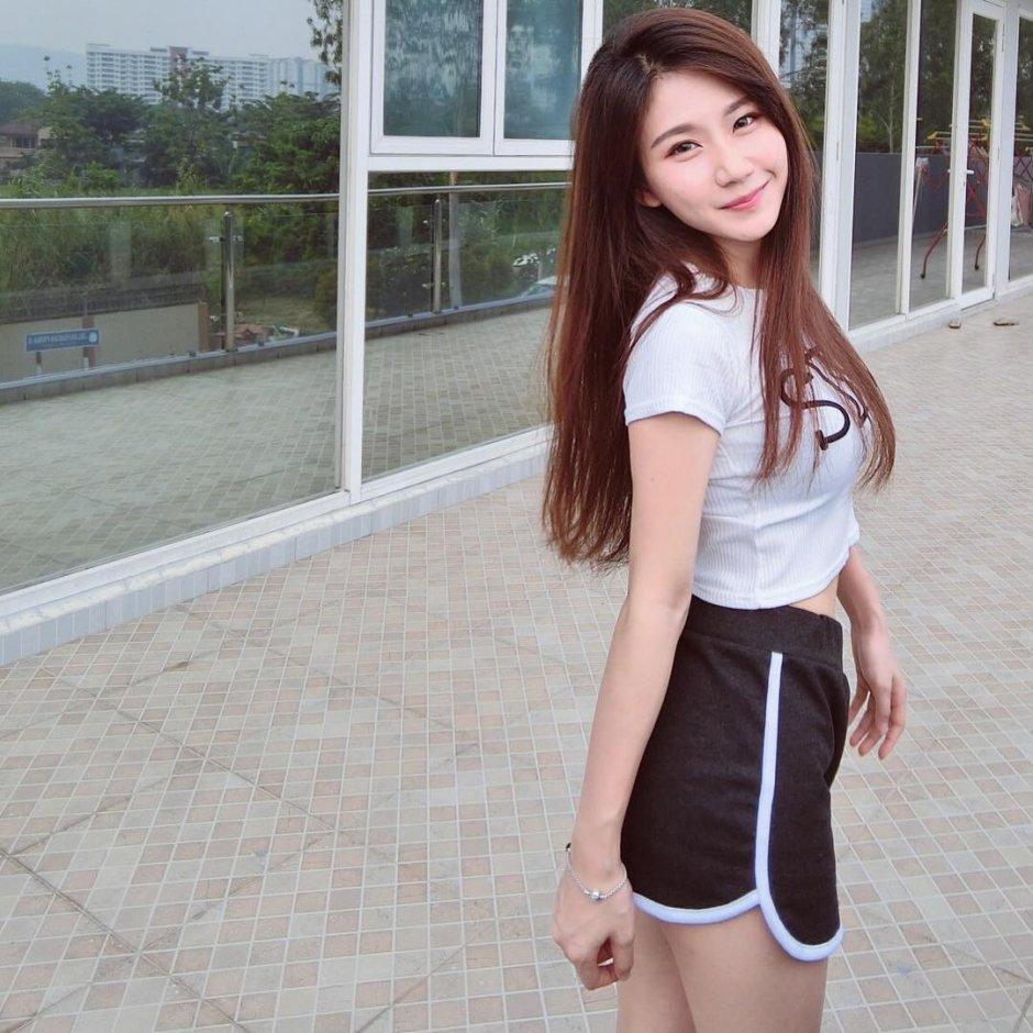 辣妈:马来西亚网红 josephy_li姗姗 大晒嫩胸惹得男粉一身汗 福利吧 第1张