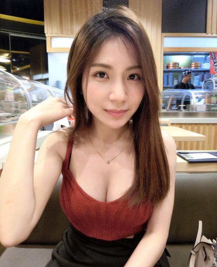 辣妈:马来西亚网红 josephy_li姗姗 大晒嫩胸惹得男粉一身汗 福利吧 第2张