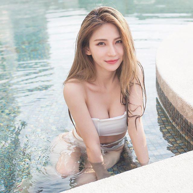 辣妈:马来西亚网红 josephy_li姗姗 大晒嫩胸惹得男粉一身汗 福利吧 第23张