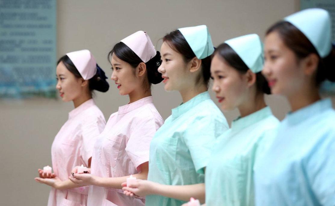 武汉方舱医院一个护士的诗