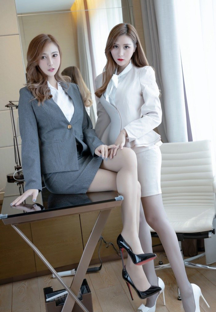 两女私密图库:美女姐妹花双飞写真图片