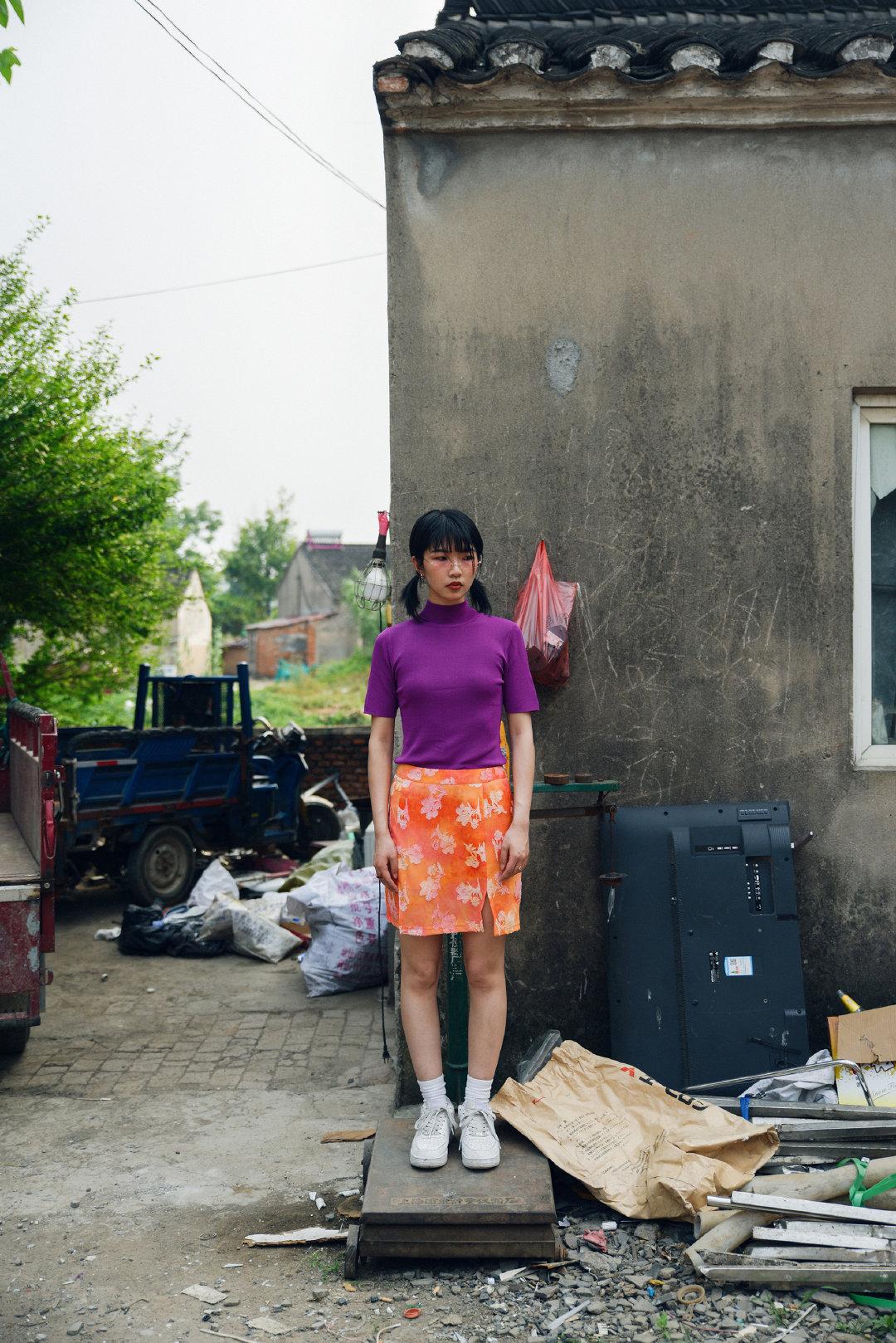 乡村美女图:村长的女儿生活照
