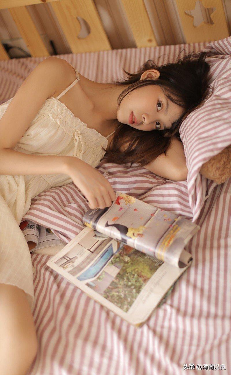 性感小美女:中国美女大学生宿舍私密生活照图片8p
