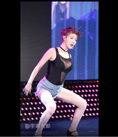 性感的美女齐B小短裤黑粗硬大欧美在线视频