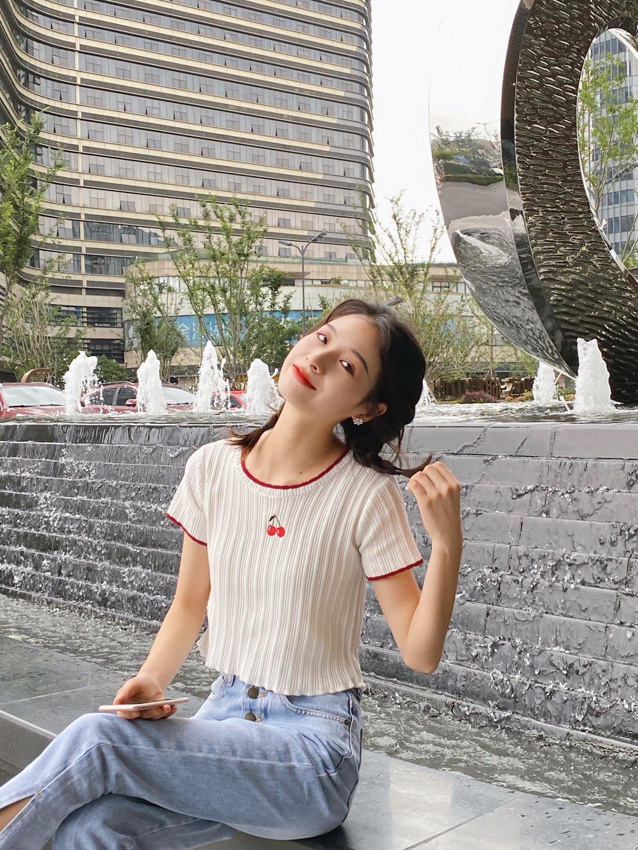 mm美女131官方:唯美 清纯 另类 亚洲 图片 自拍jessicajane日本学生10p
